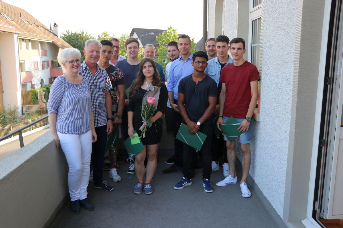 Gewerbe- und Industrieverein Bachenbülach zeichnet Lehrlinge aus